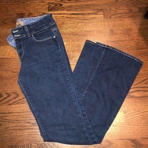 Paige Hidden Hills Jeans - size 29 💙